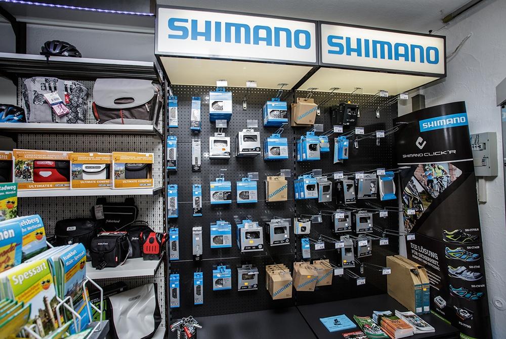 Verkaufsraum Zubehör Shimano